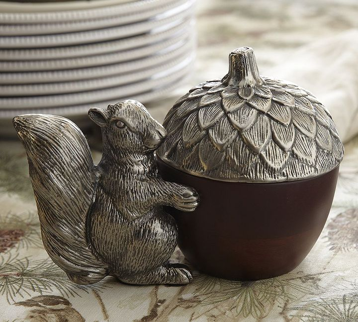 Pottery Barn Squirrel Acorn Lidded Snack Bowl