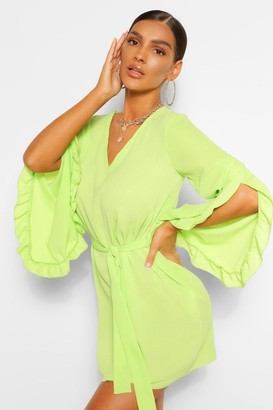 boohoo V Neck Wide Sleeve Shift Dress
