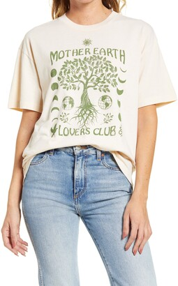 Desert Dreamer Mother Earth Graphic Tee