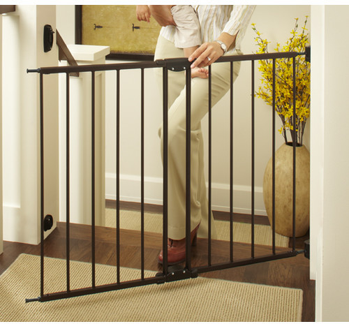 North States Easy Swing & Lock Safety Gate