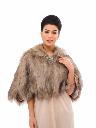 Unicra Women's Brown Sleeveless Faux Fur Shawl Wedding Fur Wraps and Shawls Bridal Fur Stole for Brides and Bridesmaids
