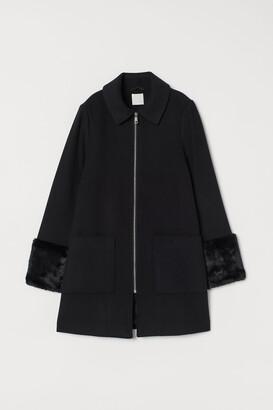 H&M Coat with faux fur
