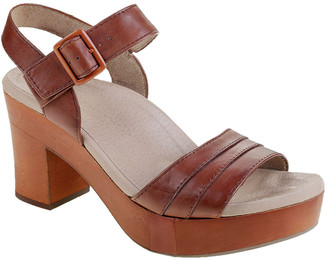 Earth Chestnut Leather Sandal