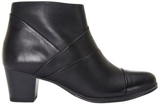 Wide Steps Marvin Black Glove Boot