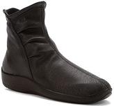 ARCOPEDICO Women's L19 Boot