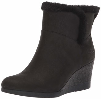 UGG Women's Devorah Ankle Boot