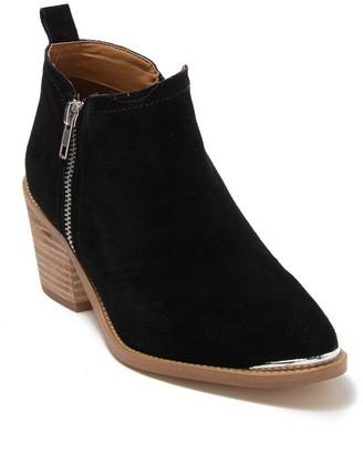 Dolce Vita Oaxana Block Heel Ankle Bootie