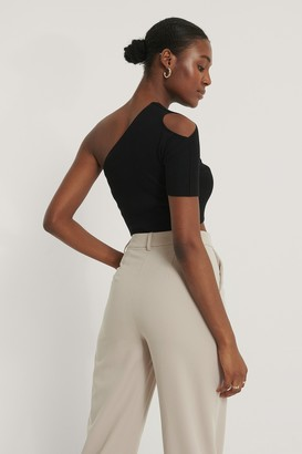 NA-KD One Shoulder Knitted Short Sleeve Top