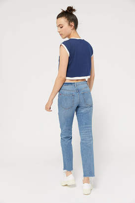 BDG Low-Rise Slim Straight Jean Raw Hem Light Wash