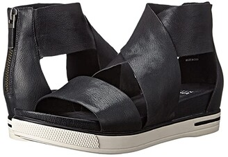 Eileen Fisher Sport (Black Tumbled Leather) Women's Sandals