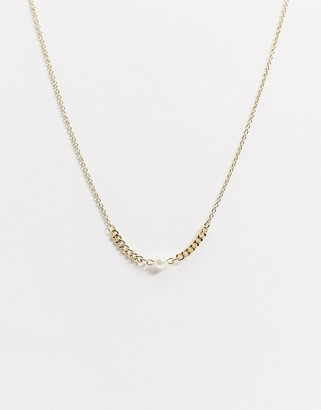 NY:LON small chain necklace with pearl in gold