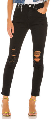 superdown Suza Distressed Jeans.