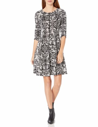 Gabby Skye Women's 3/4 Sleeve Round Neck Floral Print Fit and Flare Dress Grey/Black 4