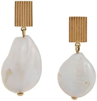 ALIITA 9kt yellow gold Barroco drop pearl earrings