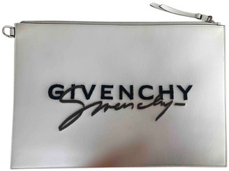 Givenchy White Leather Clutch bags