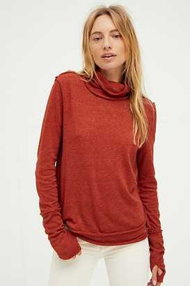 We The Free Sandstone Layering Top