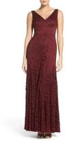 Vera Wang Women's Lace Gown
