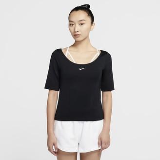 Nike Women's Short-Sleeve Top Sportswear Tech Pack