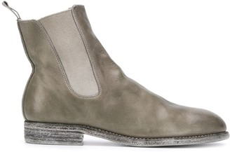 Guidi Chelsea cracked-effect boots