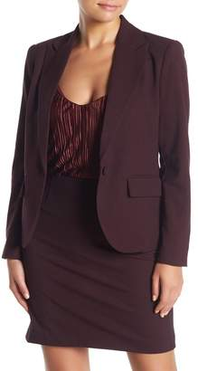 Amanda & Chelsea Signature Notch Lapel One Button Blazer (Petite)