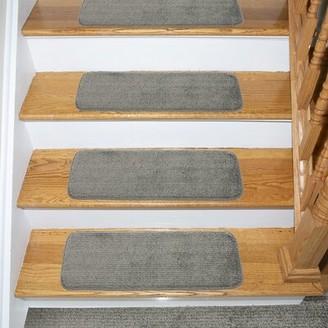 "Tucker Murphyâ""¢ Pet Beattie Soft Solid Shag Carpet Stair Tread Tucker Murphya Pet Color: Gray"
