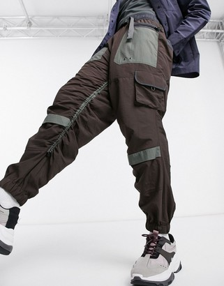 Asos Design DESIGN oversized tapered cargo trousers with rouched leg-Brown