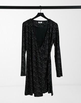 ELVI shimmer dress in black