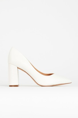 Wallis **WIDE FIT White Pointed Court Shoe