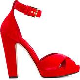 Alexander McQueen cross strap sandals - women - Leather/Velvet - 35.5