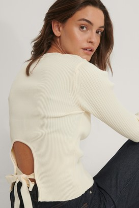 Trendyol Ribbed Back Detail Top