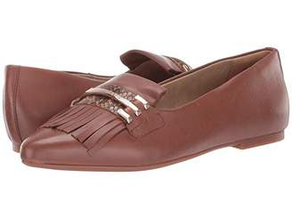 Hush Puppies Sadie Kiltie Loafer (Dachshund Leather) Women's Shoes