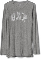 Gap Logo crewneck long sleeve tee