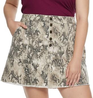 Mudd Juniors' Plus Exposed Button Skirt