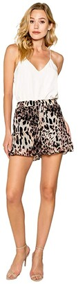 Lavender Brown Cheetah Printed Ruffle Hem Pull-On Shorts (Brown Multi) Women's Shorts