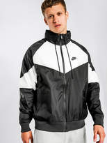 Nike NSW Windrunner HD Spray Jacket in Black