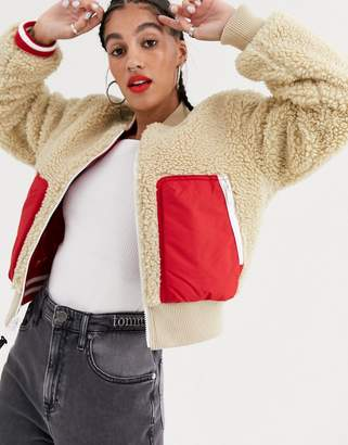 Tommy Jeans reversible colourblock sherpa bomber jacket-Beige