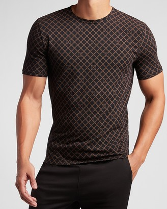 Express Printed Moisture-Wicking Performance Graphic T-Shirt