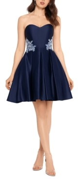 Blondie Nites Juniors' Strapless Applique Dress