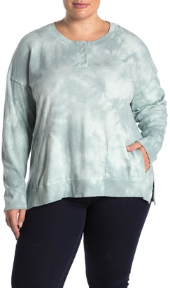 Democracy Tie Dye Sharkbite Hem Henley (Plus Size)