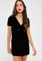 Missguided Petite Exclusive Black V-Neck Velvet Dress