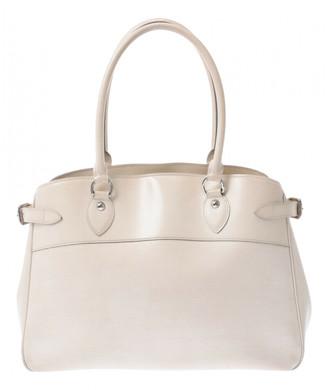 Louis Vuitton Passy White Leather Handbags