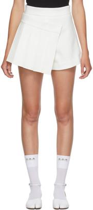 SHUSHU/TONG SSENSE Exclusive White Pleats Shorts