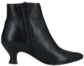Yosh Ankle boots