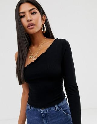 Asos Design DESIGN one shoulder long sleeve crop t-shirt with lettuce hem in black