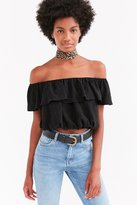 Kimchi & Blue Kimchi Blue Ruffle Off-The-Shoulder Cropped Top