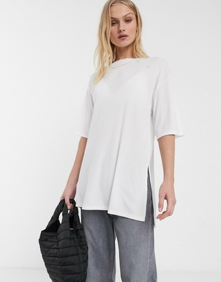 Asos Design DESIGN relaxed longline t-shirt in rib with side splits in white