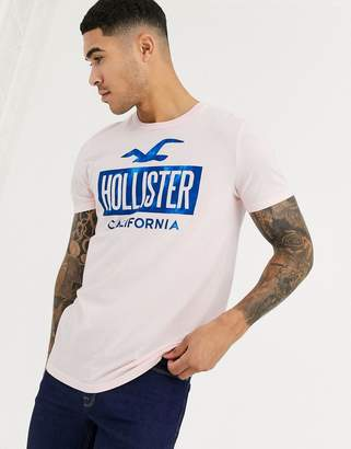 Hollister iconic print logo t-shirt in pink