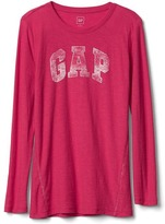 Gap Logo crewneck long sleeve tee