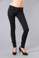 Zip Low Skinny Jeans in Very Stretch Black