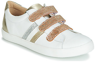 GBB MADO girls's Shoes (Trainers) in White